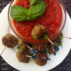 "Party Girl Diet author Aprilanne Hurley dishes out the perfect ""low-carb"" football party fare: Monday Night Football Mini Meatballs."